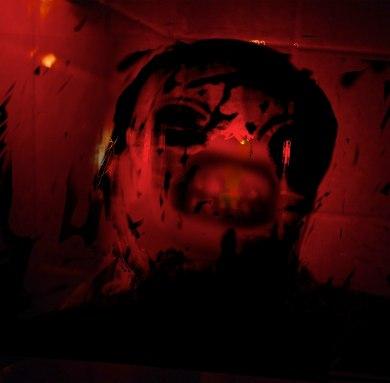 autoportrait red bath